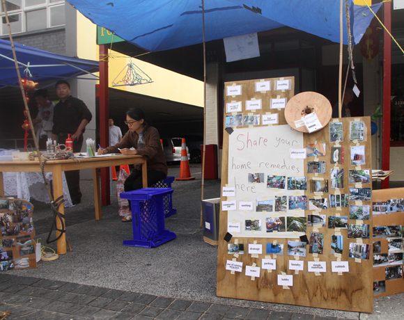 Makeshift at New Lynn Chinese New Year Festival 2015. Photo: Melissa Laing.  Licensed under a Creative Commons Attribution-NonCommercial-ShareAlike 4.0 International License.